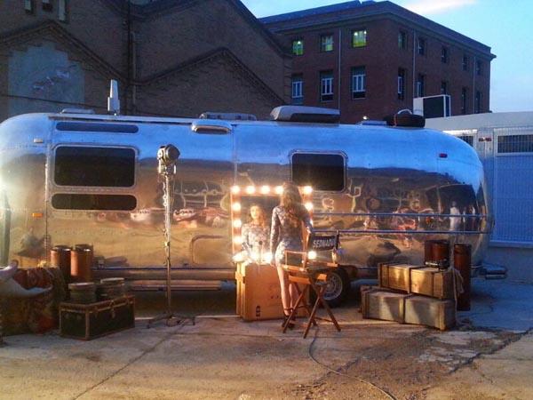 caravana-silver-room-para-rodajes-sesion-fotograficas-fotos-cine-catalogos-sealand-motion.01