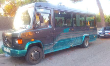 alquiler-autocar-ochentero-mercedes-para-rodajes-spots-peliculas-fotos-sealand-motion