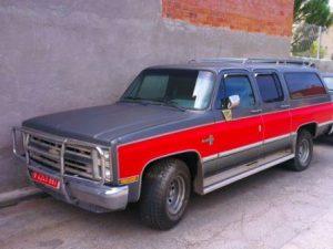 alquiler-chevrolet-suburban-para-rodajes-vehiculos-americanos-escena-cine-publicidad-peliculas-sealand-motion