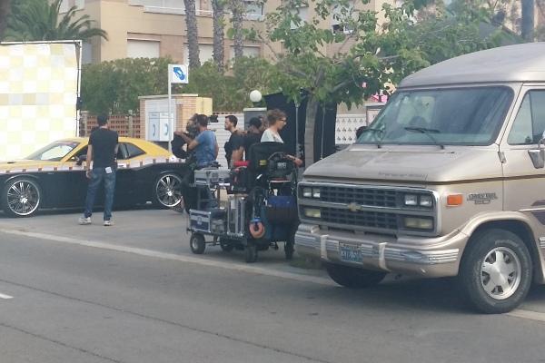 alquiler-furgoneta-chevy-van-vehiculos-escena-wallapop-peliculas-cine-publicidad-sealand-motion