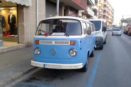 alquiler-vehiculos-escena-volkswagen-t2-azul-spots-cine-publicidad-videoclips-sesiones-fotos-sealand-motion