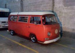 alquiler-vehiculos-escena-volkswagen-t2-roja-spots-cine-publicidad-videoclips-sesiones-fotos-sealand-motion