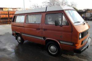 alquiler-vehiculos-escena-volkswagen-t3-naranja-spots-cine-publicidad-videoclips-sesiones-fotos-sealand-motion