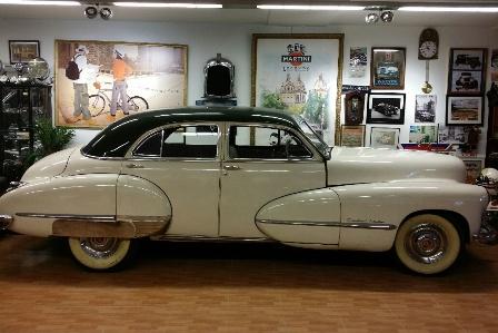 alquiler-cadillac-coche-clasico-vehiculos-escena-rodajes-videoclips-cine-peliculas-eventos-spots-catalogos-fotos-sealand-motion