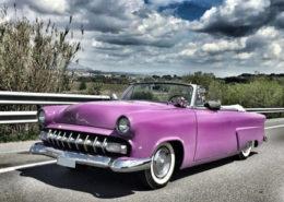 alquiler-ford-sunliner-clasico-americano-cabrio-descapotable-lila-rodaje-spots-publicidad-cine-vehiculos-escena-sealand-motion