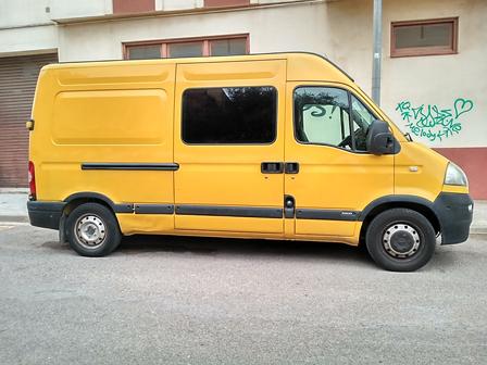 alquiler-furgoneta-amarilla-actual-europea-para-rodajes-spots-publicidad-cine-sealand-motion