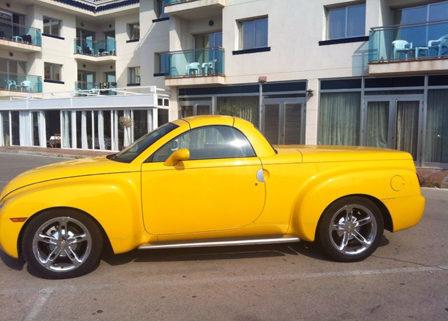 alquiler-pickup-amarilla-americana-exclusiva-actual-para-publicidad-rodajes-cine-fotos-sealand-motion