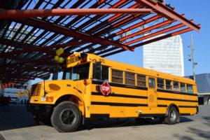 se-alquia-autobus-americano-school-bus-para-rodajes-de-publicidad-cine-television-vehiculos-escena-sealand-motion