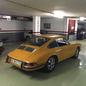 alquiler-porsche-911-targa-naranja-vehiculos-escena-coches-rodajes-spots-videoclips-cine-moda-peliculas-sealand-motion-01