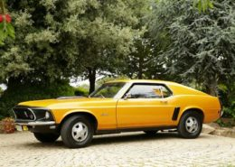 alquiler-coches-clasico-Ford-Mustang-coupe-americano-vehiculos-anuncios-cine-moda-eventos-videoclips-sealand-motion