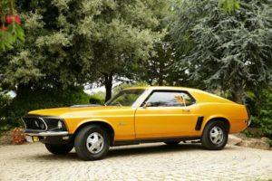 alquiler-coches-clasico-Ford-Mustang-coupe-americano-vehiculos-anuncios-cine-moda-eventos-videoclips-sealand-motion