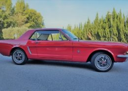 alquiler-coches-clasico-Ford-Mustang-rojo-coupe-americano-vehiculos-anuncios-cine-moda-eventos-videoclips-sealand-motion