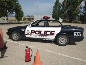 Alquiler-coche-de-policía-descapotable-a-dos-ruedas