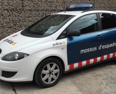 alquiler-coche-de-policía-mossos-de-esquadra-policia-guardia-urbana